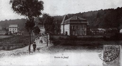 10-entree-de-lacien-centre-de-la-commune-rue-du-commerce-maison-dalbert-bosment-futur-directeur-des-forges