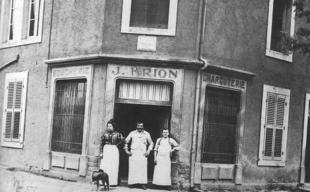3-la-boucherie-charcuterie-brion-au-50-rue-du-commerce-apres-1901