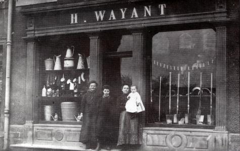 4-quincaillerie-dhenri-wayant-maire-de-la-ville-jusquen-1904-au-23-rue-du-commerce