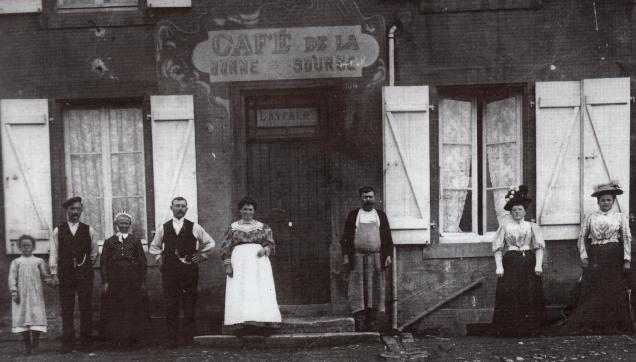 6-le-cafe-de-la-bonne-source-de-charles-lavraue-au-numero-104-vers-1902